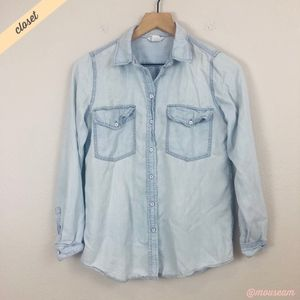 [Club Monaco] Blue Chambray Tatum Denim Shirt